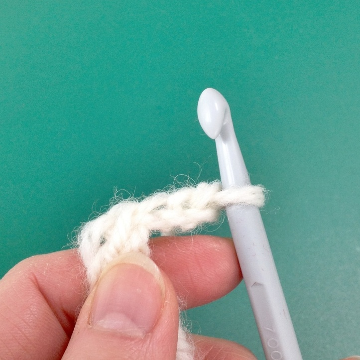 Neck roll - starting the puff stitch